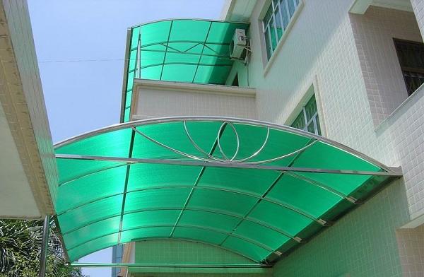 Mái hiên Mica cho khu vực giếng trời, sân thượng